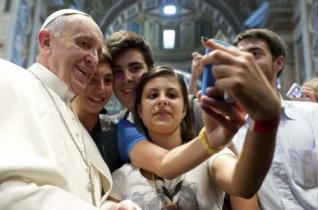 Ferenc pápa üzenete a tömegtájékoztatás 53. világnapjára