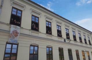 Nem akárhogyan várják az erdélyi kispapok Ferenc pápát